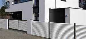 zaun design sichtschutz alu lamellen kreative ideen für ihr zuhause design