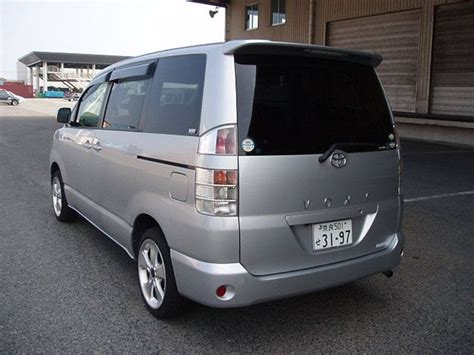 Toyota Voxy Picture by Used 2004 Toyota Voxy Pictures