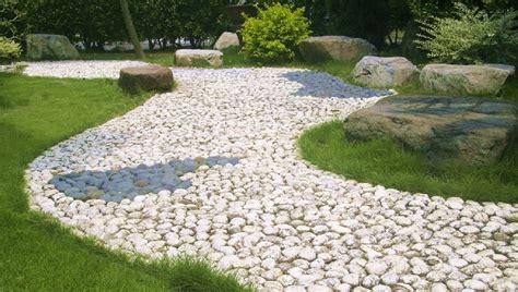 ghiaia per vialetti progettare giardini e terrazze le pavimentazioni in