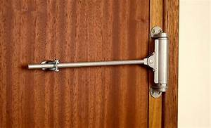 Ferme Porte à Ressort : s curiser son logement avec un ferme porte tige ~ Dailycaller-alerts.com Idées de Décoration