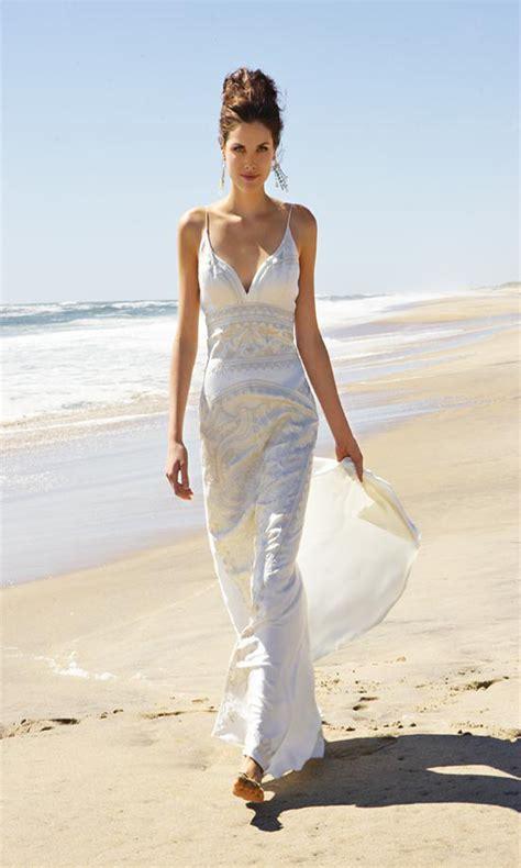 20 Unique Beach Wedding Dresses For A Romantic Beach Wedding - MagMent