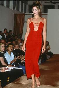 18 Retro Photos That Prove Cindy Crawford Is the Ultimate ...