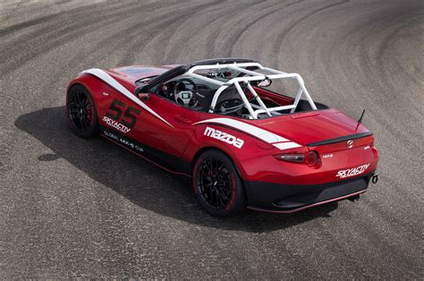 2018 Mazda Miata To Race In Global Mx 5 Cup Photo Image