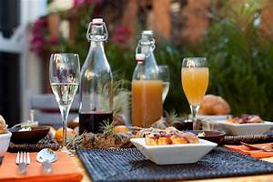 Brunch Table Decor & Goodies to Try This Weekend