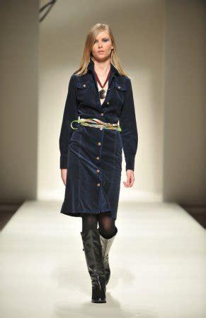 Guardaroba Abbigliamento Sito Ufficiale by La Signora Bon Ton Della Sfilata Di Gattinoni Moda 232 Donna
