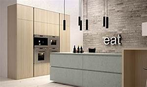 Contemporary italian kitchens designs creative timeless ideas for Kitchen cabinet trends 2018 combined with cool modern wall art