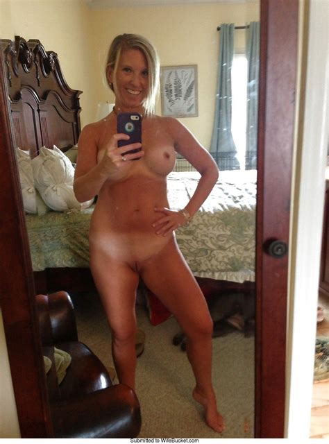Nude Selfies From Hot Moms