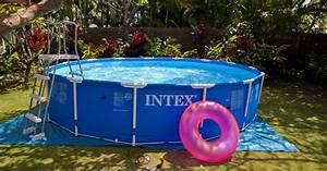 Preparation Terrain Pour Piscine Hors Sol Tubulaire : la piscine tubulaire une piscine hors sol vendue en kit ~ Melissatoandfro.com Idées de Décoration