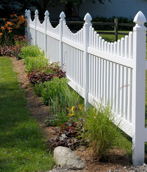 vinyl fencing ideas 22 vinyl fence ideas for residential homes