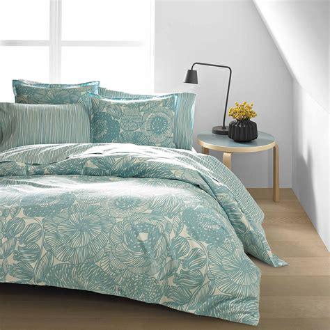 Blue Duvet by Marimekko Geranium White Nile Blue Duvet Cover Set
