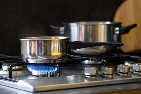 gas stove cookware leave