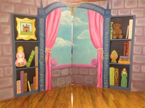 Fiona's Bedroom Interior Folding Panel