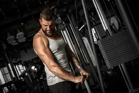 Big Lats Workout for a Superhero-Ripped Look - Weight loss ...