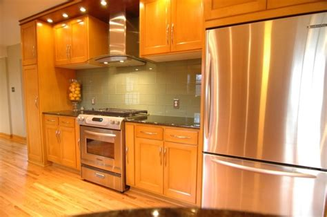 best hardware for oak cabinets 13 best images about kitchen hardware on pinterest oak