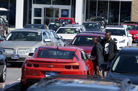 Usedcar Startups Lure Buyers Online Away From Dealer Lots