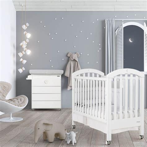 lit bébé chambre parents chambre bb lit et commode white moon swarovski de micuna
