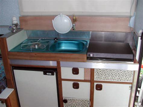 a駻ation cuisine gaz plaque fond de meuble meuble cuisine plaque cuisson cool merveilleux meuble trendy 6 meuble pour four et plaque l60 cm blanc achat meuble four
