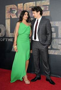 James Franco and Freida Pinto Photos Photos - Premiere Of ...