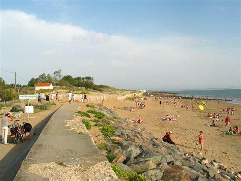 aire de pique nique boulevard du communal l aiguillon sur mer sud vendee tourisme location
