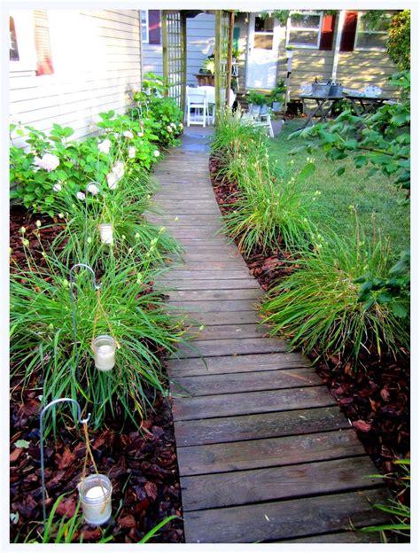 Backyard Sidewalk Ideas best 25 backyard walkway ideas only on