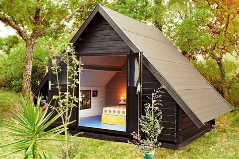 comment faire une cabane dans sa chambre construire un abri de jardin en guise de chambre d 39 amis