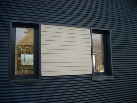 bardage bois chambre rappel de bardage bois entre les fenêtres des chambres d