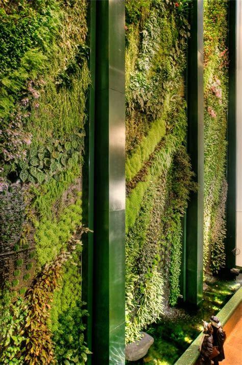Gruene Wand Raffinierter Blickfang Fuer Die Wohnung by Gr 252 Ne Wand Raffinierter Blickfang F 252 R Die Wohnung