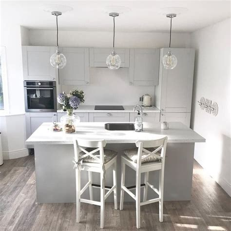 howdens  instagram mix  fairford dove grey cabinets