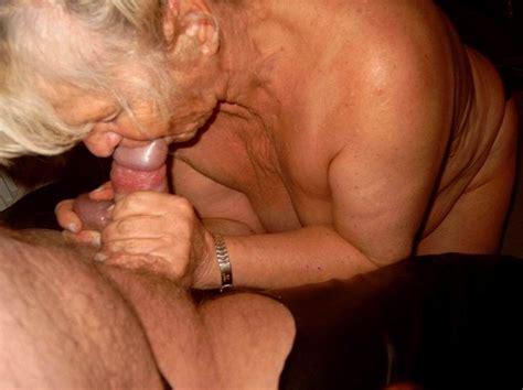 kinky amateur grannies suck cocks - Pichunter