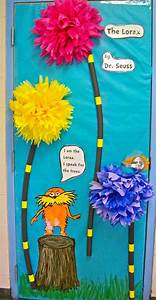 Dr seuss wall decorations best images about door on for Best from cat in the hat wall decal ideas