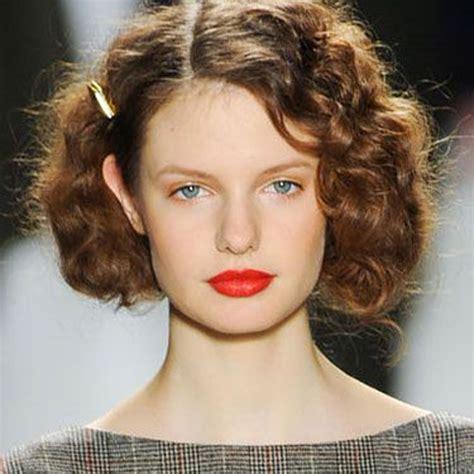 coiffure cheveux bouclés court cheveux fris 233 s nos id 233 es de coiffures pour cheveux fris 233 s