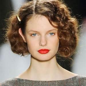 Cheveux Court Bouclé Femme : cheveux fris s nos id es de coiffures pour cheveux fris s elle ~ Louise-bijoux.com Idées de Décoration