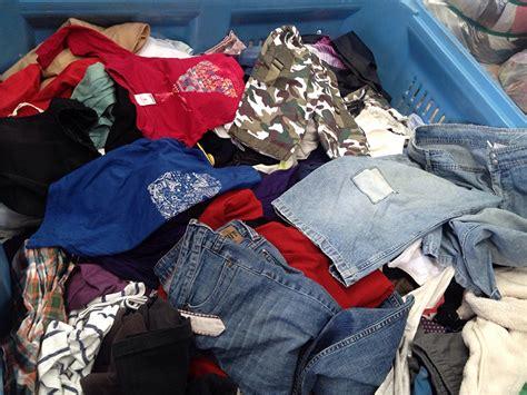 Used Clothes Australia - Call +61 466 987 087