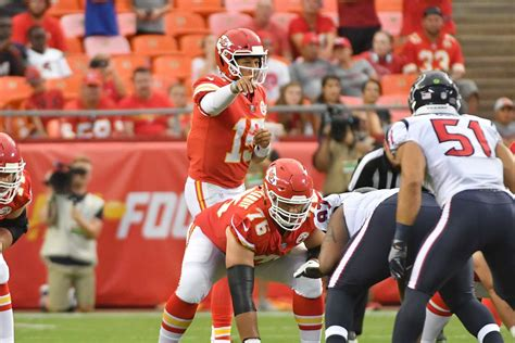 Patrick Mahomes' Rookie Contract Won't Help The Chiefs Win
