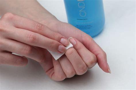 Чем заменить обезжириватель для ногтей? Спирт вместо обезжиривателя для ногтей. Маникюр дома