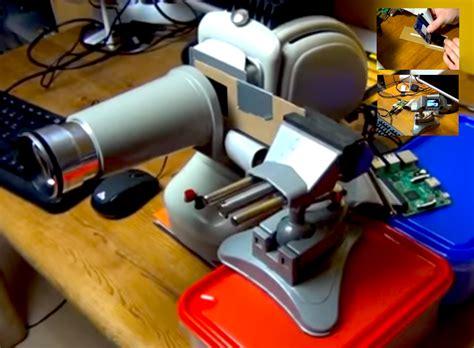 diy projector  raspberry pi pitft   projector