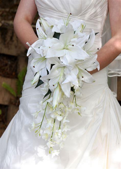 wedding flowers bridal bouquet oriental lily singapore