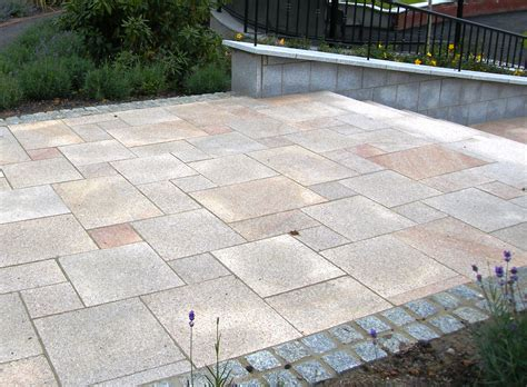 What Sizes Of Paving Slab To Use In Your Garden Design?