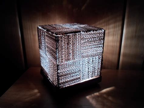 diy learn     cool cube lamp  recycled