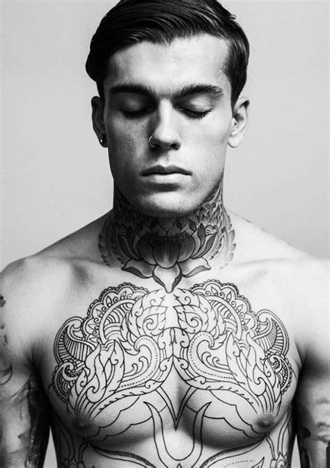 modeles de tatouage homme uniques  inspirants
