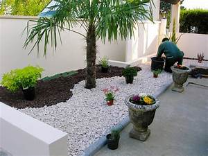 le jardin paysager tendance moderne de jardinage With modeles de rocailles jardin 1 jardin moderne avec du gravier decoratif galets et plantes