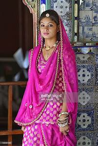 Indian Girl In Traditional Dress Udaipur Rajasthan India ...