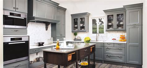 Thermofoil Kitchen Cabinets Vs Wood by The Psychology Of Why Gray Kitchen Cabinets Are So Popular