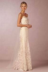 Under 1000 beach wedding dresses 23 romantic wedding for Wedding photography under 1000