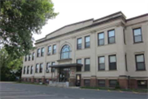 holyoke school district massachusetts school 983 | district photo thumbnail a2060e2dcff2146978c3dcf70184dffe