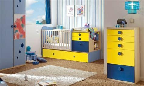 chambre jaune et bleu 35 idées originales pour la décoration chambre bébé