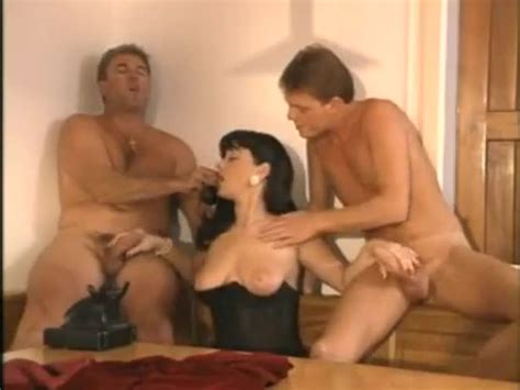 Elodie Cherie Italian Cheating Wife Fucked By Two Guys