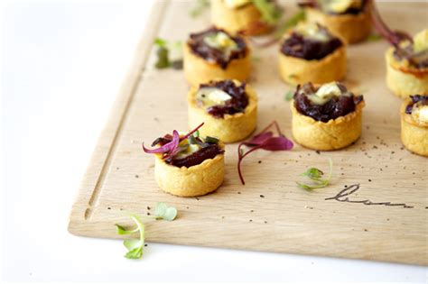 mini canapé canapés ideas mini caramelised and brie tartlets
