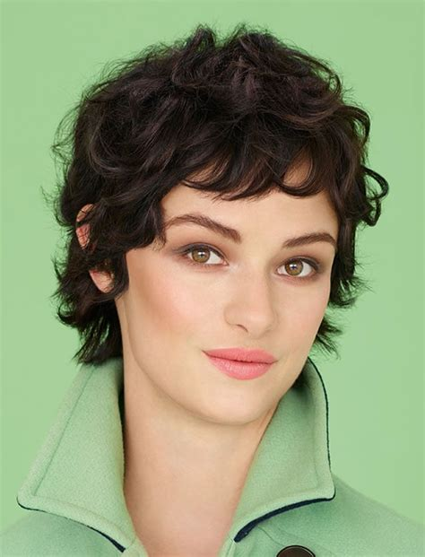 A long pixie hair is extremely versatile because it can be styled in so the pixie haircut for square face will also look gorgeous with a pair of rounded glasses that will. 34 Trendy Bob & Pixie Hairstyles for Spring Summer 2020 - 2021 - Page 3 - HAIRSTYLES