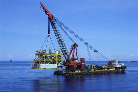 Building A Control Deck by Dlb Derrick Lay Barge Kuroshio K1 Nippon Steel